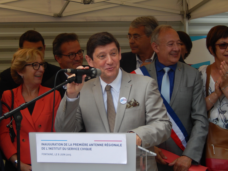 Patrick Kanner, ministre de la Ville, de la Jeunesse et des Sports salue l'initiative de l'Institut portée par Martin Hirsch.